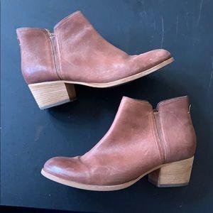 Clark's ankle bootie